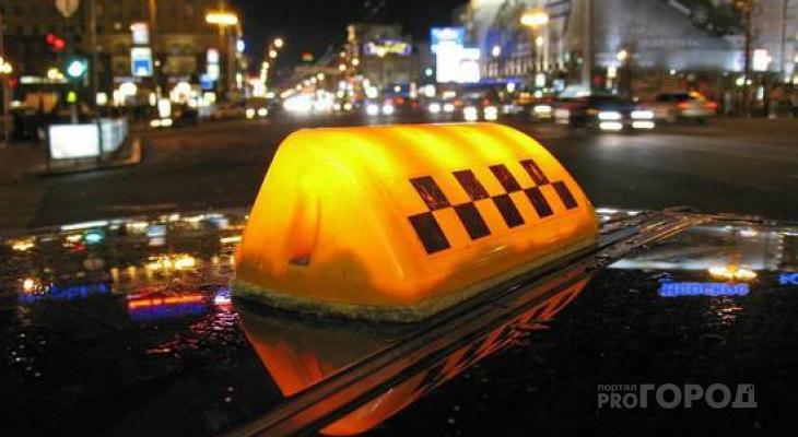 В Кировской области пассажир напал на таксиста с ножом