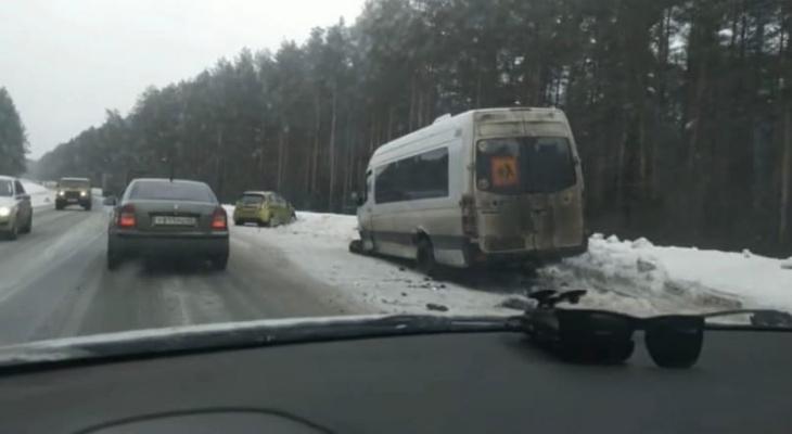 На трассе в Кирово-Чепецком районе произошла массовая авария, есть пострадавшие