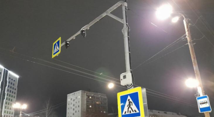 Опубликован список улиц Кирова, где установят новое освещение
