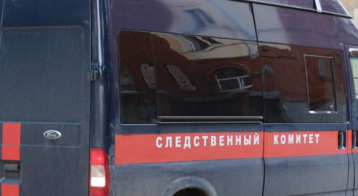 В Кирове в автомобиле нашли мертвую женщину: возбуждено уголовное дело