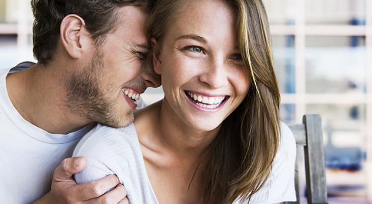 Накануне Всемирного дня смеха выяснилось, кто смеется чаще