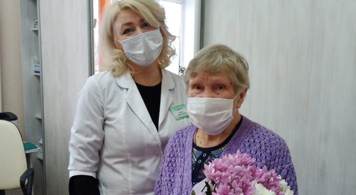 В Кировской области от коронавируса привилась 90-летняя женщина