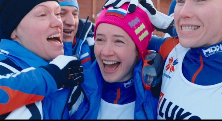 Онлайн-премьеру фильма о судьбе знаменитой лыжницы Елены Вяльбе «Белый снег» покажут в в Wink пятого апреля