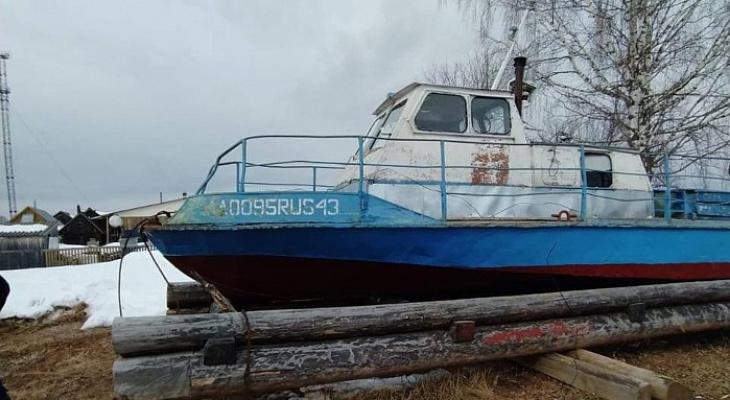 Во время половодья жителей поселка Кировской области будут возить на катере