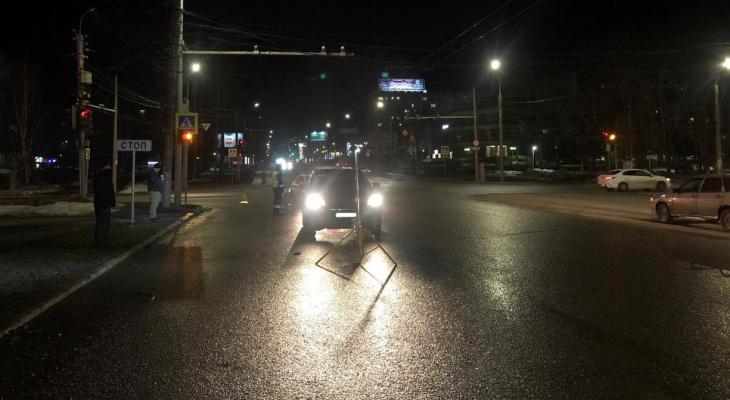В Кирове водитель иномарки сбил 18-летнюю: девушка в больнице