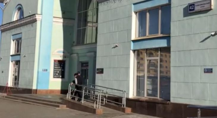 Что обсуждают в Кирове: фотосессию подростков на кладбище и нападение на женщину