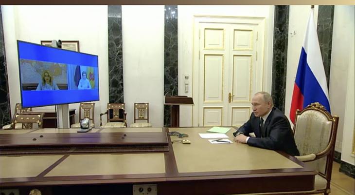 Путин подписал указ о майских выходных с сохранением зарплаты