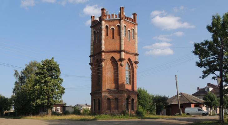 В Яранске продают мистическую водонапорную башню за 1,95 млн рублей