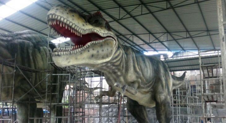 Вандалы оторвали голову динозавру в котельничском парке