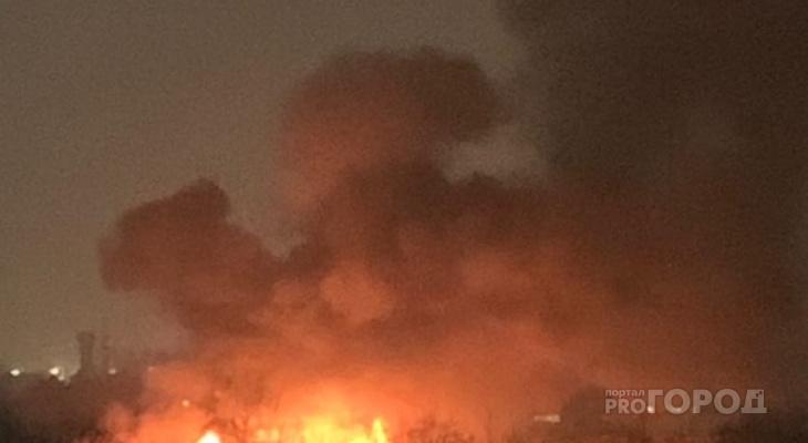 Ночью в Кировской области подожгли 5 грузовиков