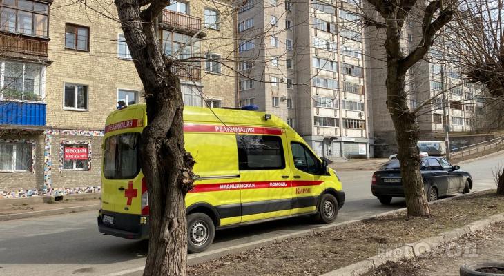 Что обсуждают в Кирове: ДТП с несовершеннолетним и гибель человека от упавшего дерева