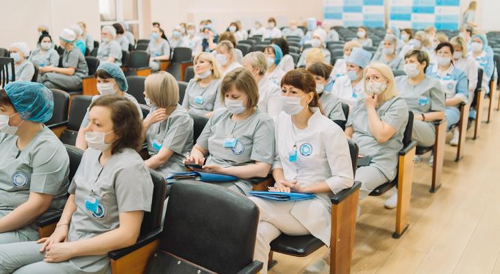 12 мая медсестер Кировской области награждали в честь профессионального праздника