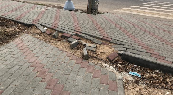 Почти  половина отремонтированных тротуаров в Кирове не пережила зиму