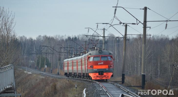 В Кировской области подросток зацепился за поезд и проехал несколько километров