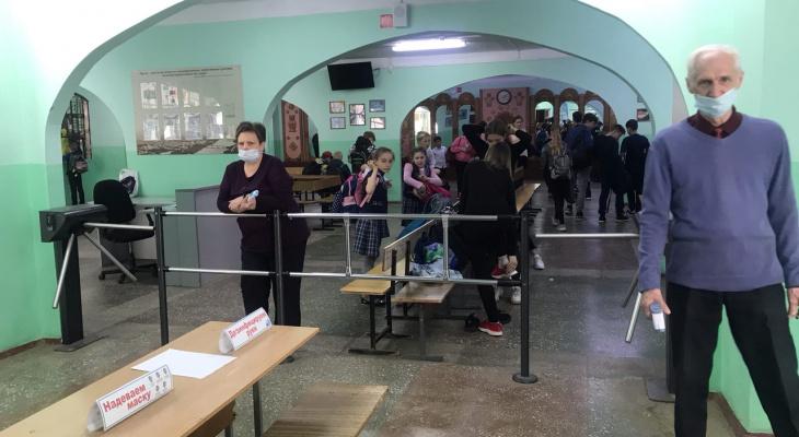 После трагедии в Казани 80% школ Кировской области обеспечили тревожной кнопкой