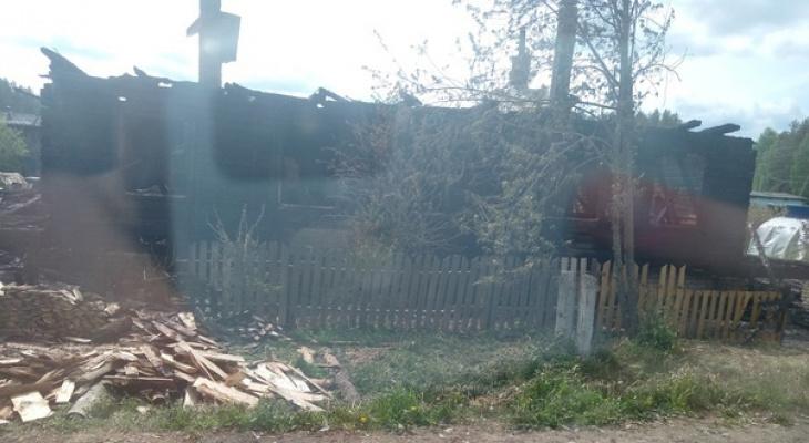 В Кировской области сгорели два дома: есть погибший