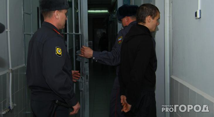 Забрал «свое» и еще столько же: в Кирове волгоградец ограбил букмекерскую контору