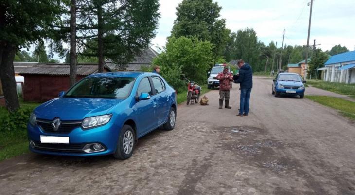В Кировской области пьяный мотоциклист столкнулся с иномаркой