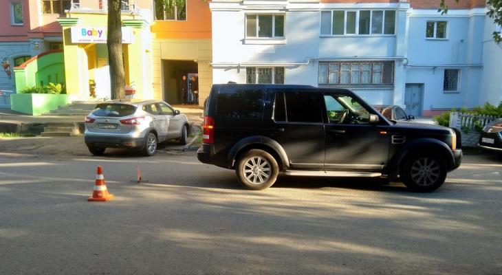 В центре Кирова водитель Land Rover сбил 8-летнего мальчика