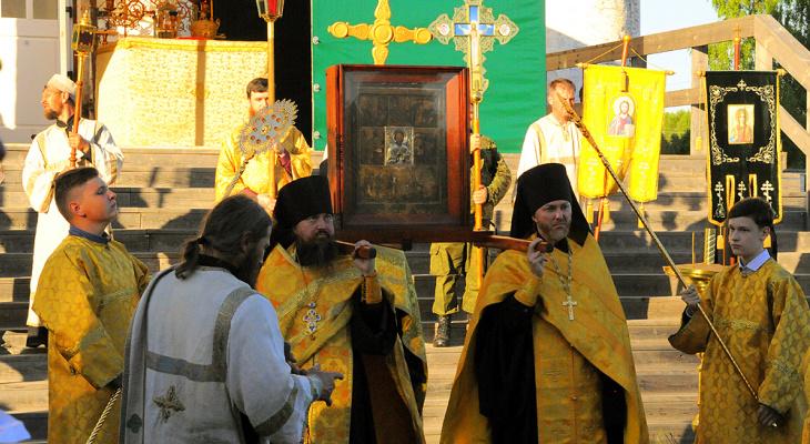 В Великорецком состоялась встреча иконы святителя Николая Чудотворца