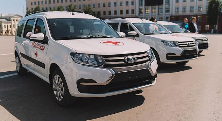В Кировской области шесть больниц получили ключи от новых машин скорой помощи