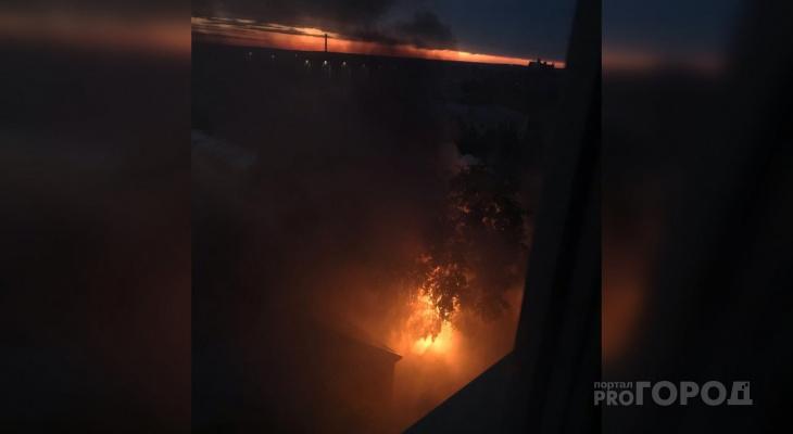 Ночью в центре Кирова горел многоквартирный дом: жильцов разместили в гостинице