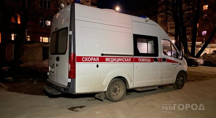 В Кировской области 3-летняя девочка выпала с высоты пятого этажа