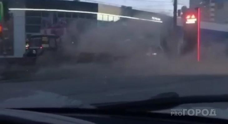 Видео дня: в Кирове образовалась пылевая буря