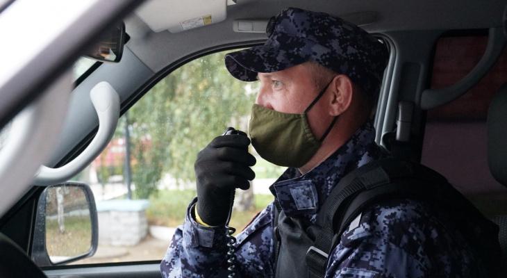 В Кирове на улице росгвардейцы обнаружили человека без сознания