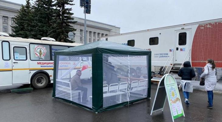 В Кирове продлена работа мобильных прививочных пунктов