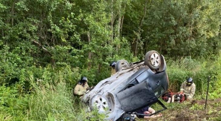 На Советском тракте Kia столкнулась с фурой: очевидцы сообщают об одном погибшем