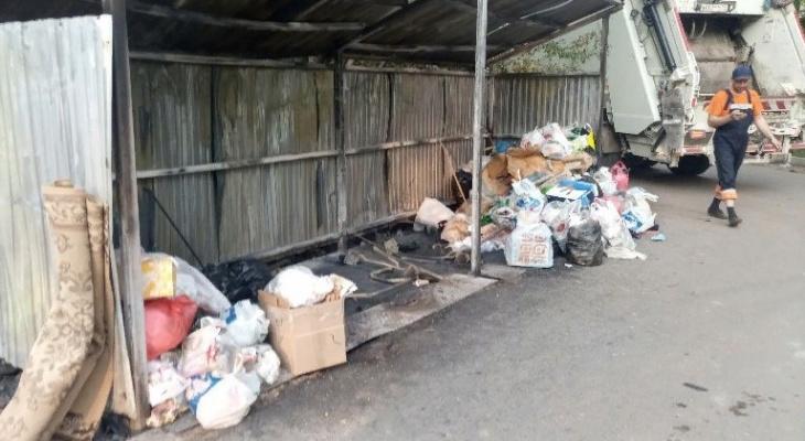 Кировскому регоператору сожгли 25 контейнеров