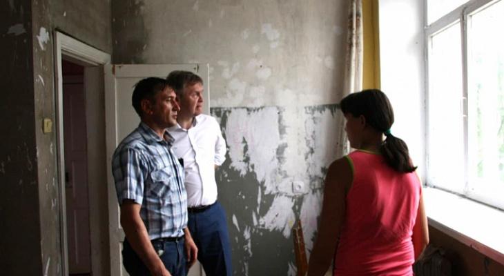 Квартиру сироты из Кировской области отремонтируют после «прямой линии» с губернатором