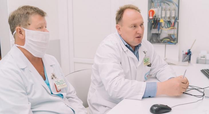 Кировские врачи провели уникальную операцию и спасли женщину от инсульта
