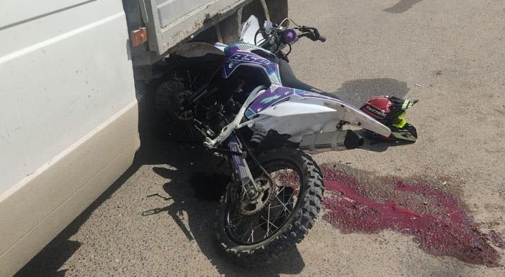 В Кировской области столкнулись питбайк с 14-летним подростком за рулем и «Газель»
