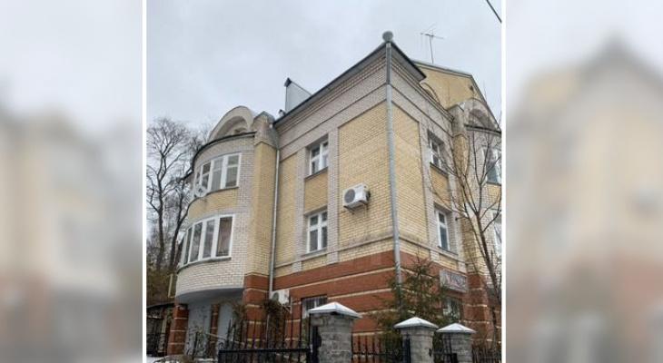 В центре Кирова продается 7-комнатная квартира за 25 миллионов рублей
