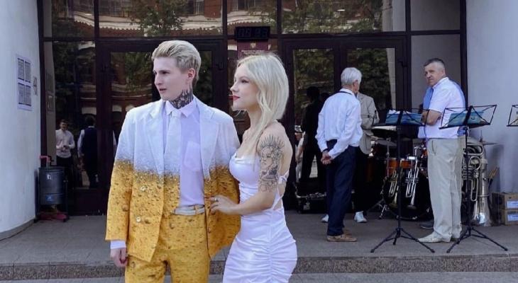 Что обсуждают в Кирове: пивной свадебный костюм и ДТП у Старого моста