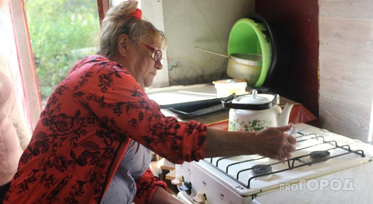 Кировчанка начала гореть во время приготовления еды на плите