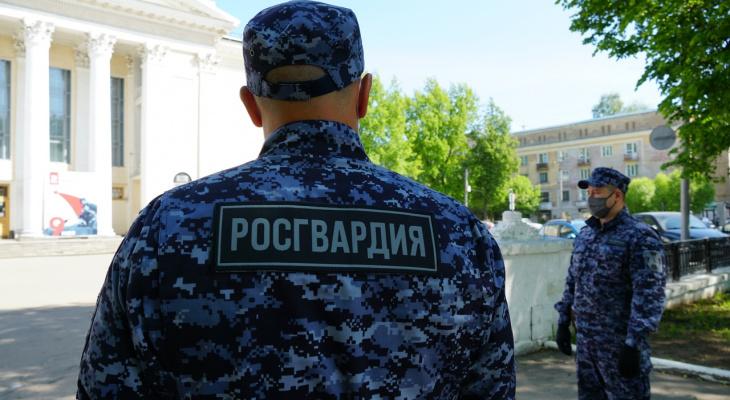 В Кирове задержали дебошира, находящегося в розыске