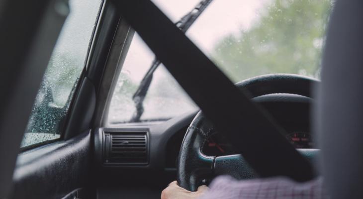 В Кировской области мужчина посадил за руль пьяного подростка