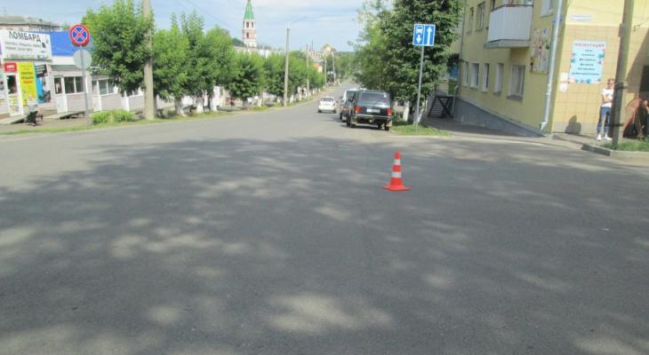 В Слободском на дороге сбили 16-летнего парня на велосипеде