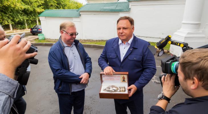 В Киров привезли частицу мощей великомученика и целителя Пантелеимона