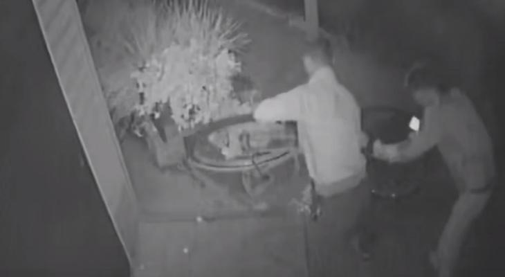 В Кировской области вандалы пытались украсть «железного коня», который служил украшением магазина