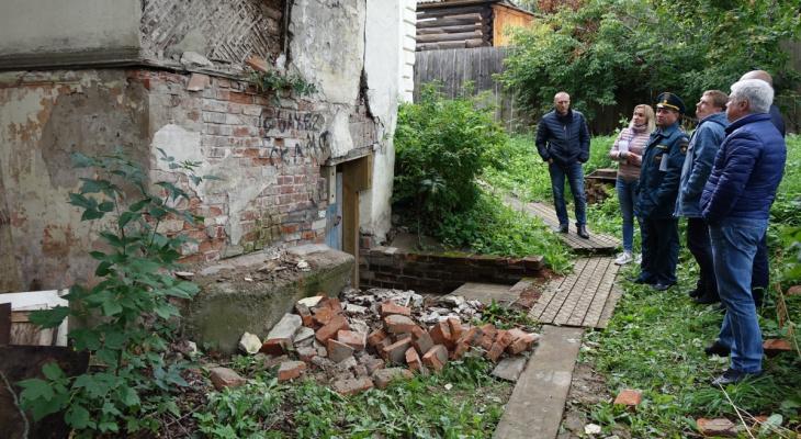 В Кирове собираются реконструировать разрушающийся дом архитектора Чарушина