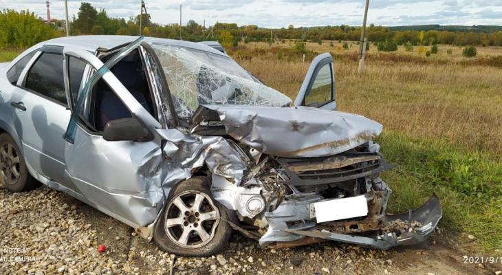 В Кировской области на трассе произошла смертельная авария