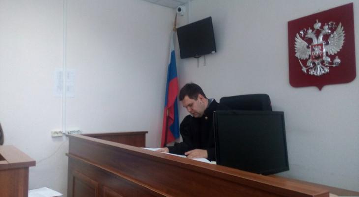 В Кировской области осужден мужчина, спаивавший юную дочь