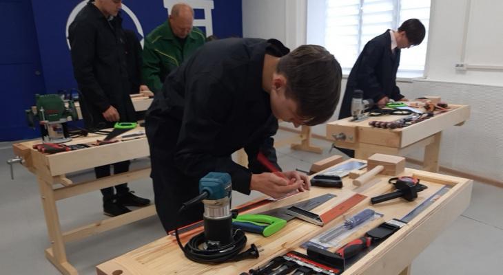 Sеgezha Group открыла столярную мастерскую в Кировском лесопромышленном техникуме