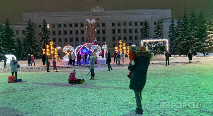 Что обсуждают в Кирове: видео смертельного ДТП и график праздничных новогодних каникул