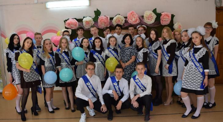«Досиделись за одной партой до свадьбы»: кировский учитель о том, как стала «свахой» для  учеников