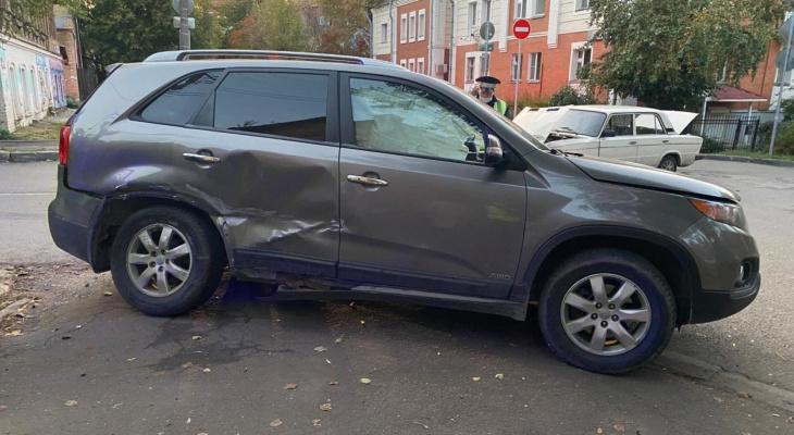 В центре Кирова в ДТП пострадала трехлетняя девочка